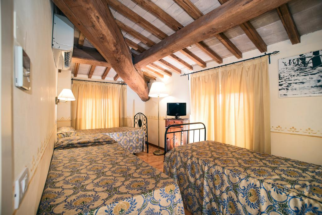 Camera Quadrupla nella Country House vicino Assisi